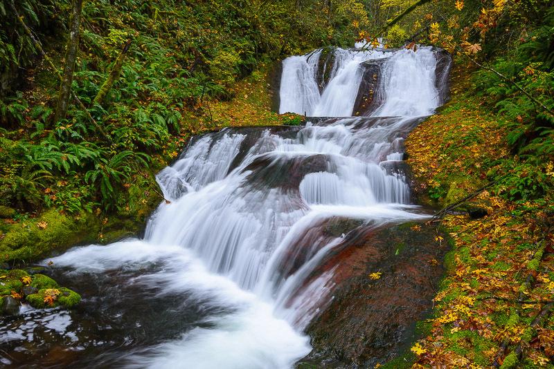 LOWER LEWIS RIVER FALLS SKAMANIA COUNTY, WASHINGTON