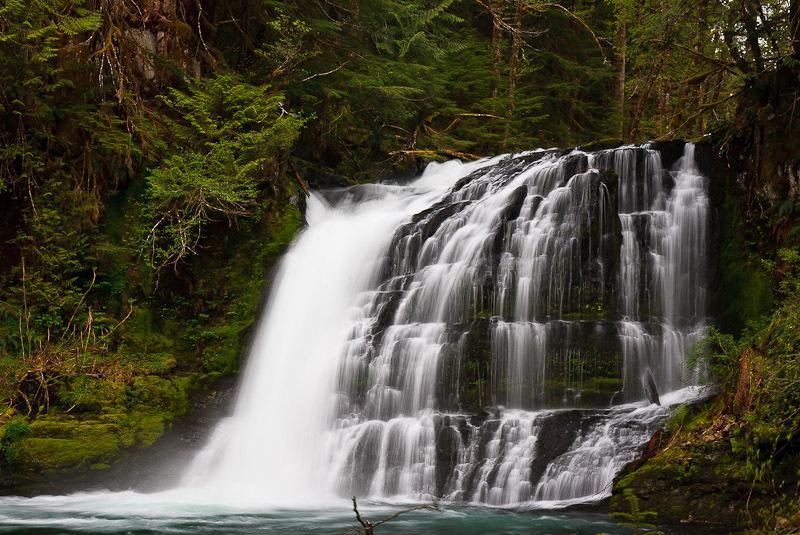 Chinook Creek Falls. Lose your self   Washington river